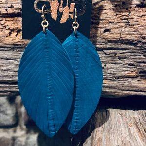 🆕Genuine Leather Emerald Blue/Green Leaf Earrings